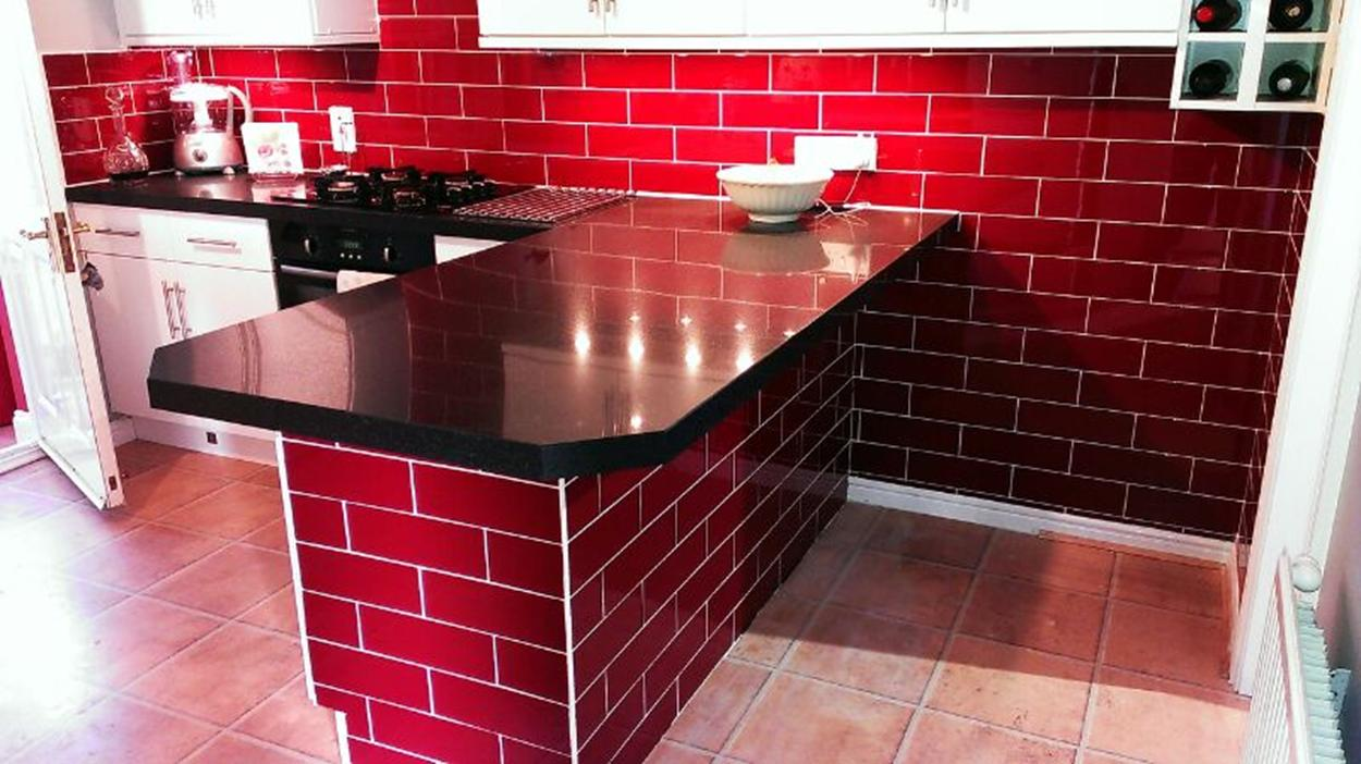 A wide range of glass wall tiles for bathrooms and ...